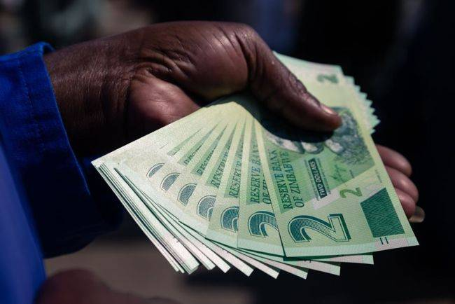 Zimbabwe government workers reject 97% salary increase offer